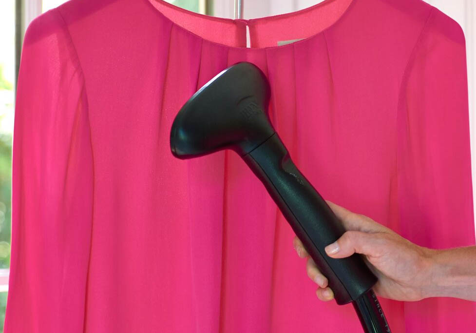 6 reasons why you & your wardrobe should love steaming