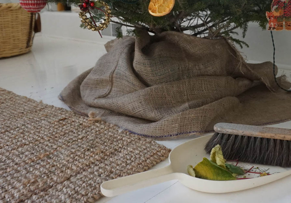 how-to | cleaning & storing holiday decor